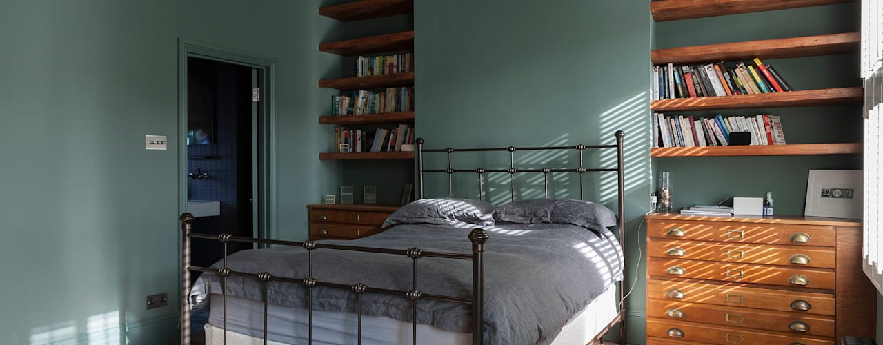 Balham House: eclectic Bedroom by Blankstone