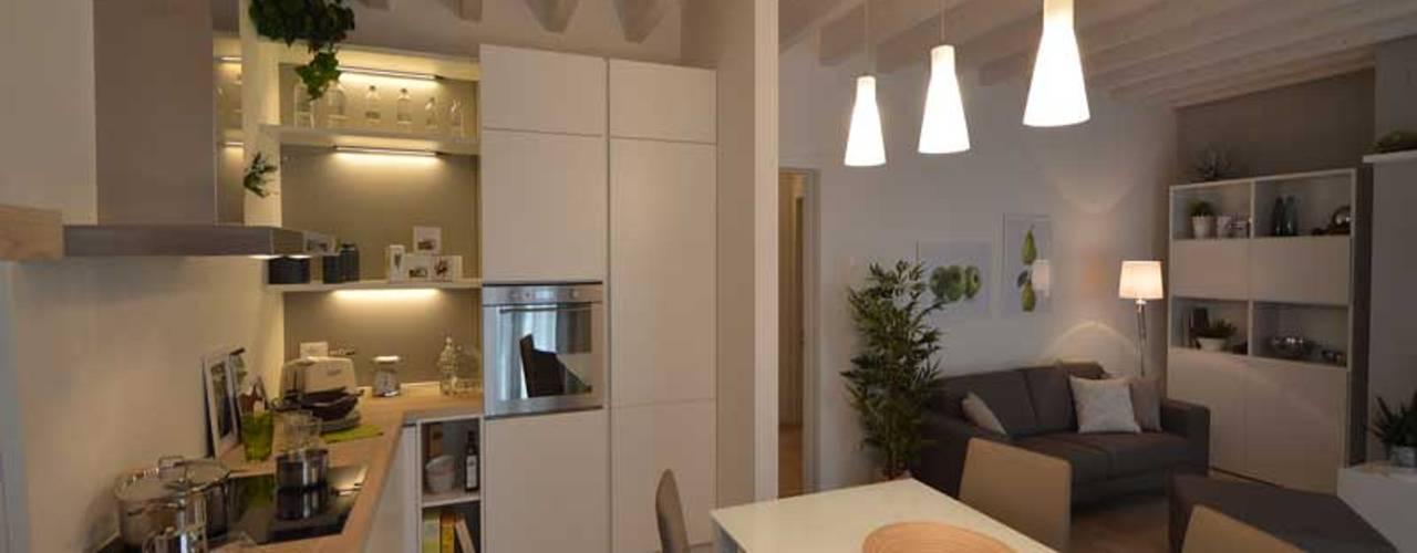 Appartamenti in bioedilizia - Bonate Sopra (BG) Sala da pranzo moderna di Marlegno Moderno