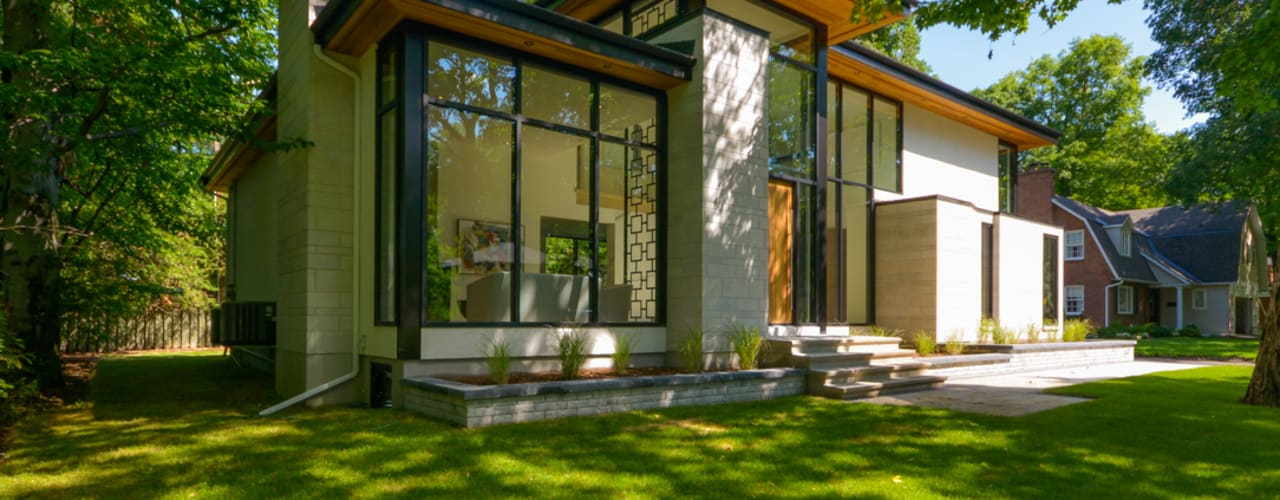 Rockcliffe Park: modern Houses by Flynn Architect