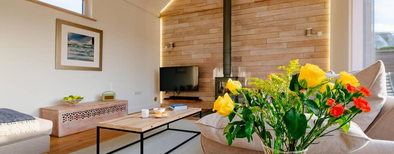 Treasure House, Polzeath | Cornwall Perfect Stays Rustic style living room