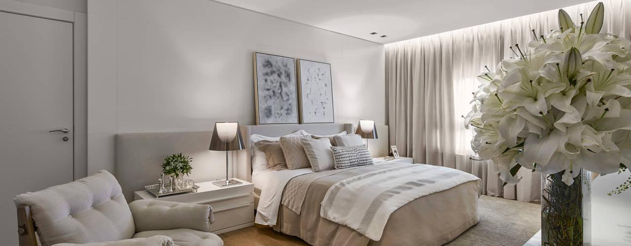 Dormitorios de estilo  por Alessandra Contigli Arquitetura e Interiores