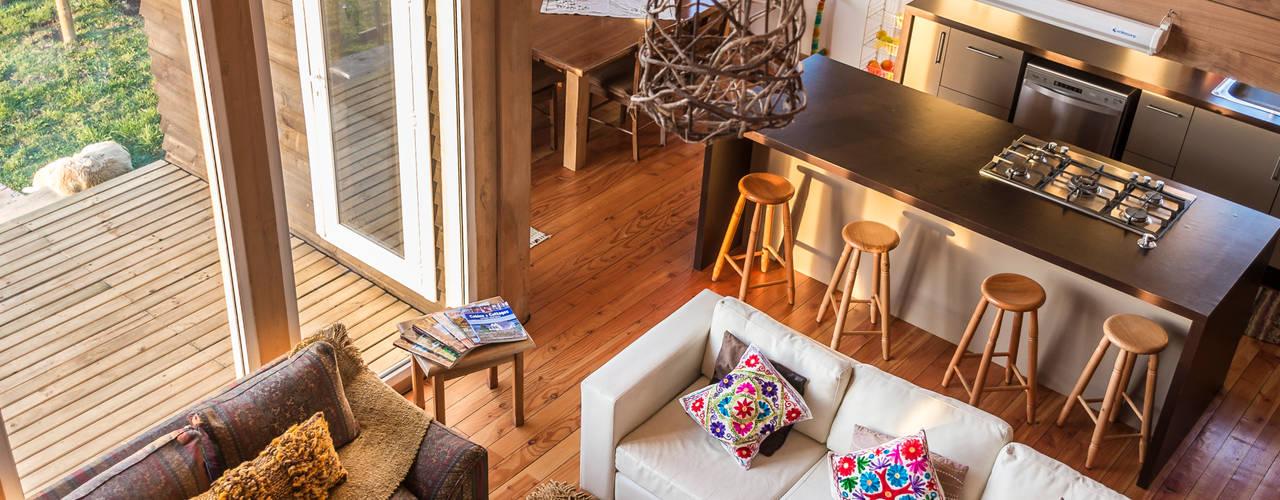 Casa Ka:  de estilo  por Almazan Arquitectura y Construcción