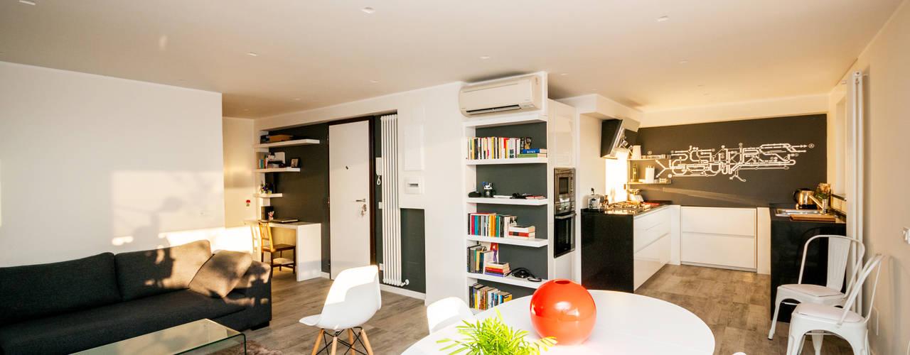 Ristrutturazione appartamento 50 mq Fabiola Ferrarello Living room Wood Multicolored