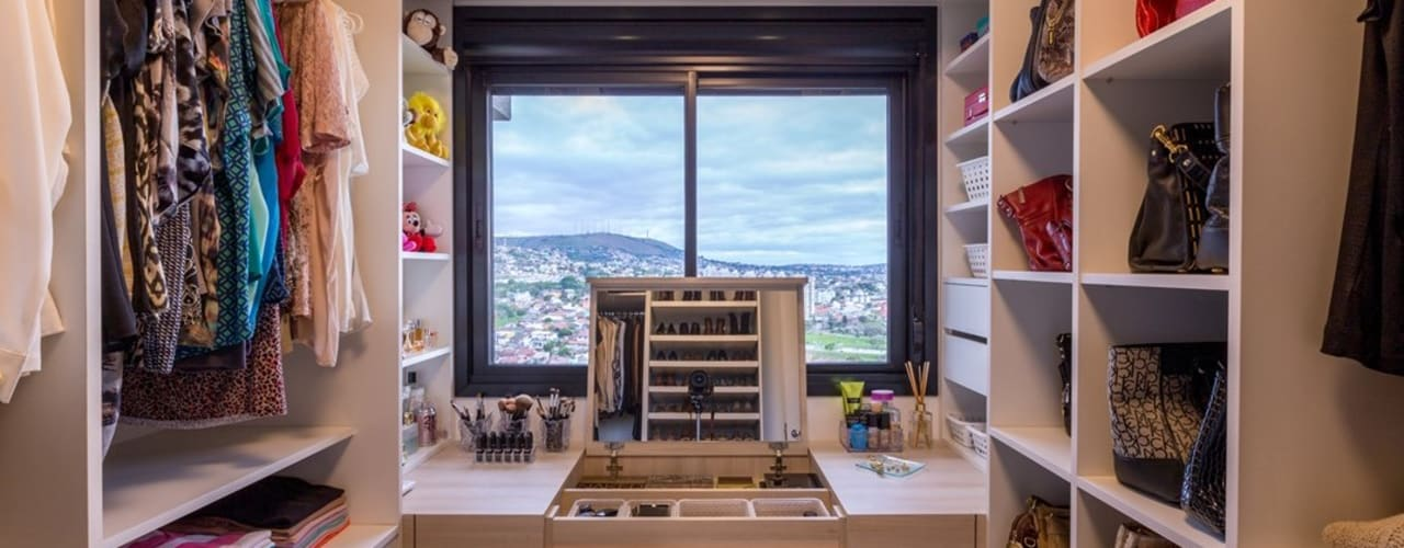 Camila Chalon Arquitetura Spogliatoio moderno