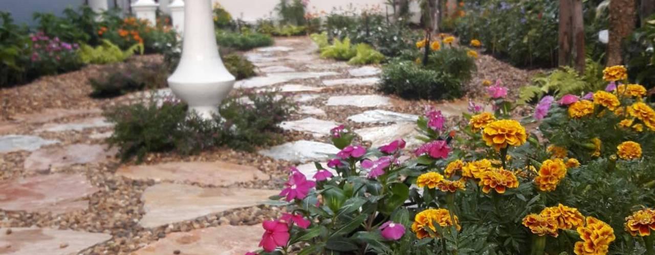 Jardines de estilo  por Dear_landscape,