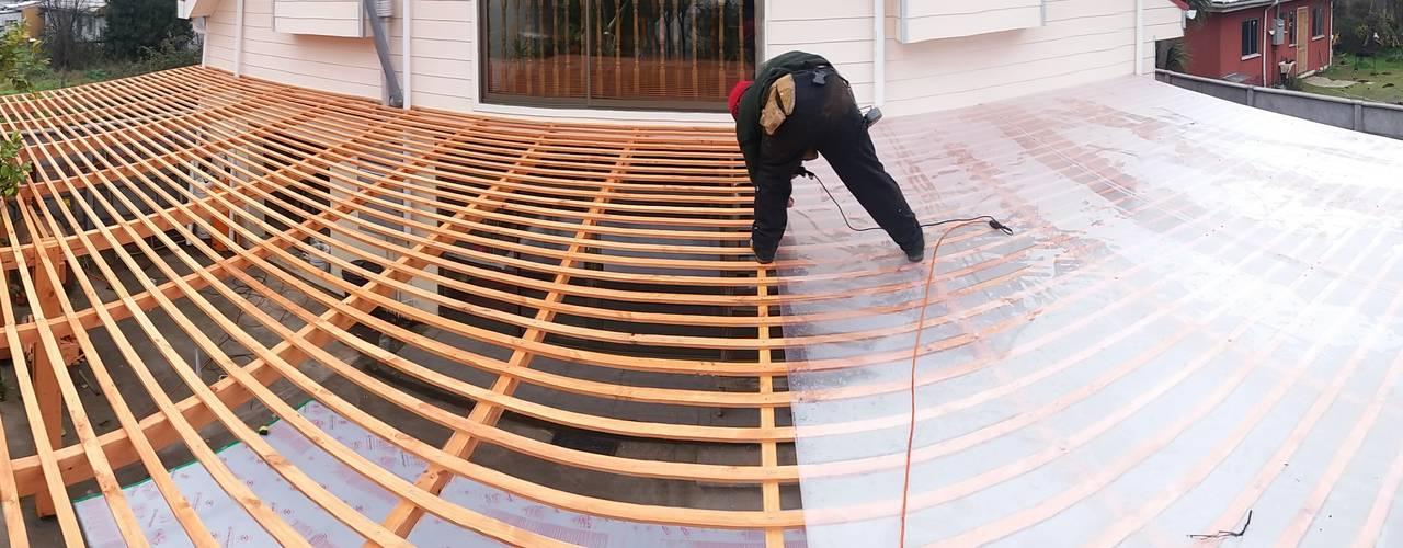 6 pasos para construir un techo sol y sombra de madera en for Muro de separacion terraza