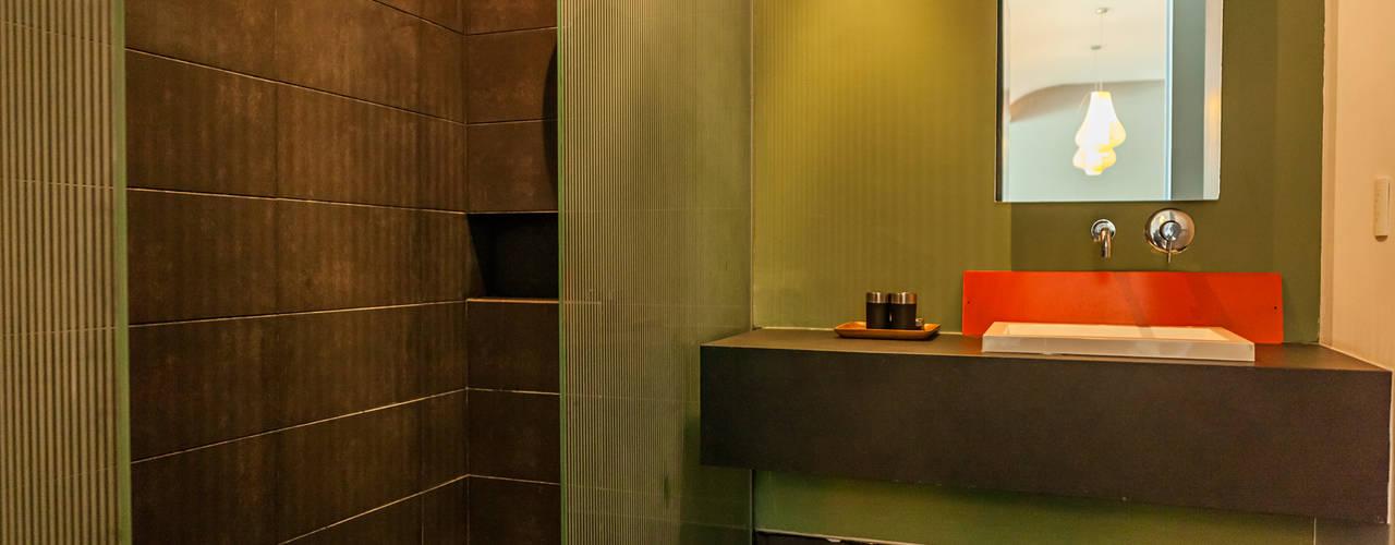 AVALON: Baños de estilo  por MORADA CUATRO