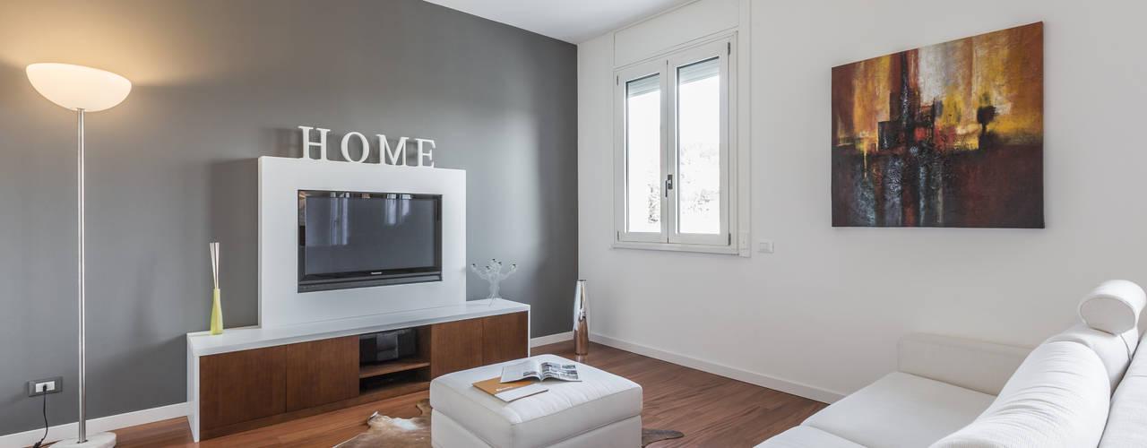 Projekty,  Salon zaprojektowane przez Facile Ristrutturare