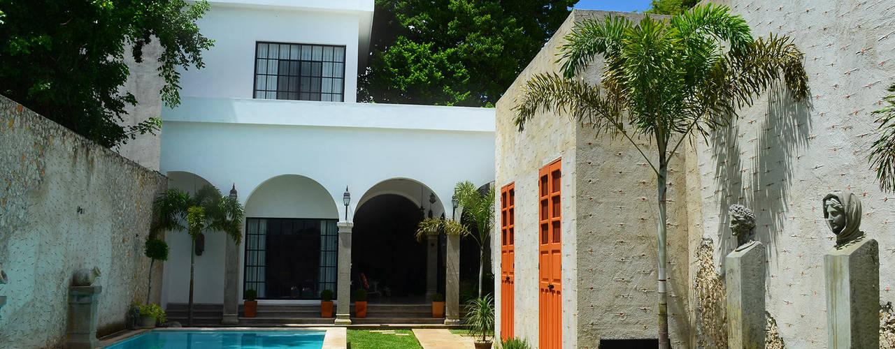 Casa 56: Casas de estilo  por Workshop, diseño y construcción, Colonial
