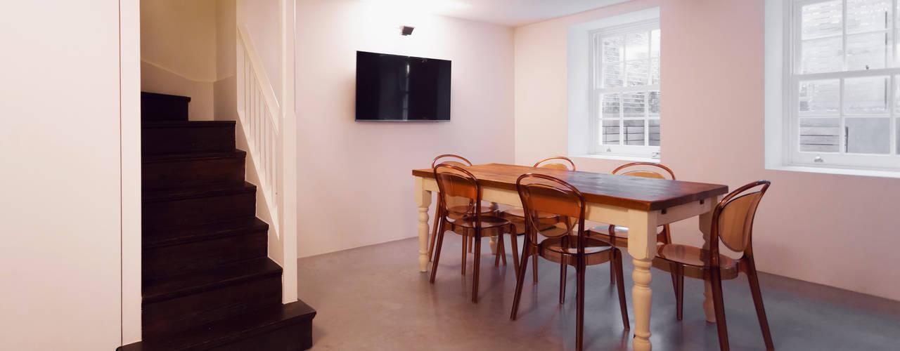 Moderne Esszimmer von Diamond Constructions Ltd Modern
