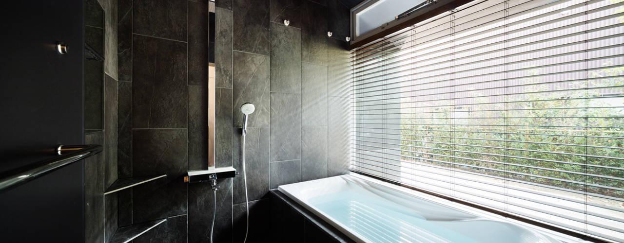 Phòng tắm phong cách chiết trung bởi 松島潤平建築設計事務所 / JP architects Chiết trung