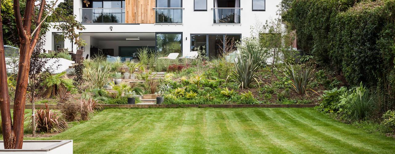 OATLANDS DRIVE Vườn phong cách hiện đại bởi Concept Eight Architects Hiện đại