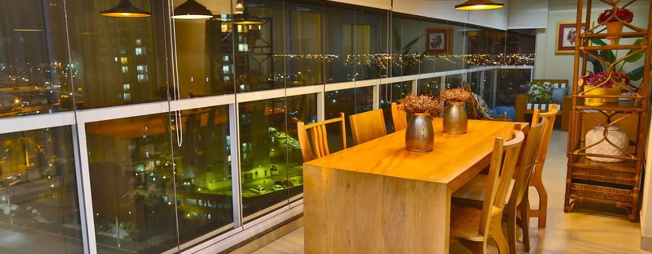Comedores de estilo  por MAJÓ Arquitetura de Interiores