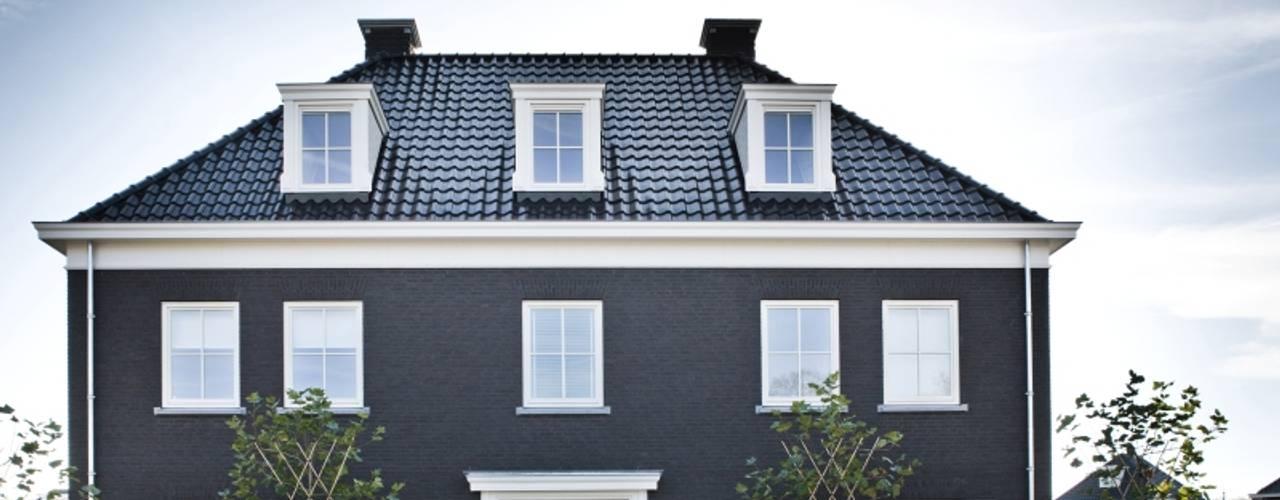 Rumah Klasik Oleh Groothuisbouw Emmeloord Klasik