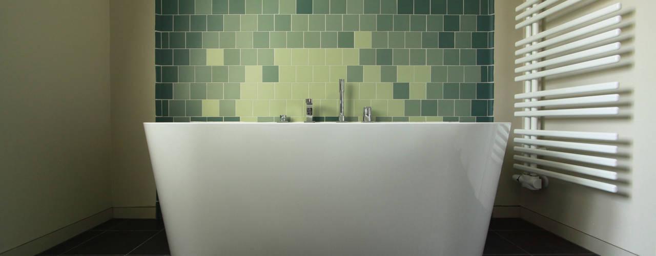 wellen Phòng tắm phong cách hiện đại bởi brandt+simon architekten Hiện đại
