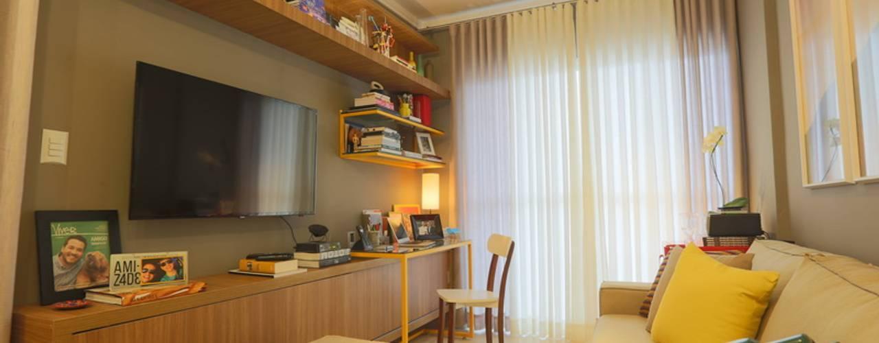 Livings de estilo  por MAJÓ Arquitetura de Interiores