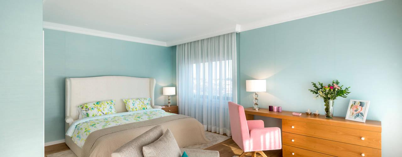 Suite: Quartos modernos por Stoc Casa Interiores