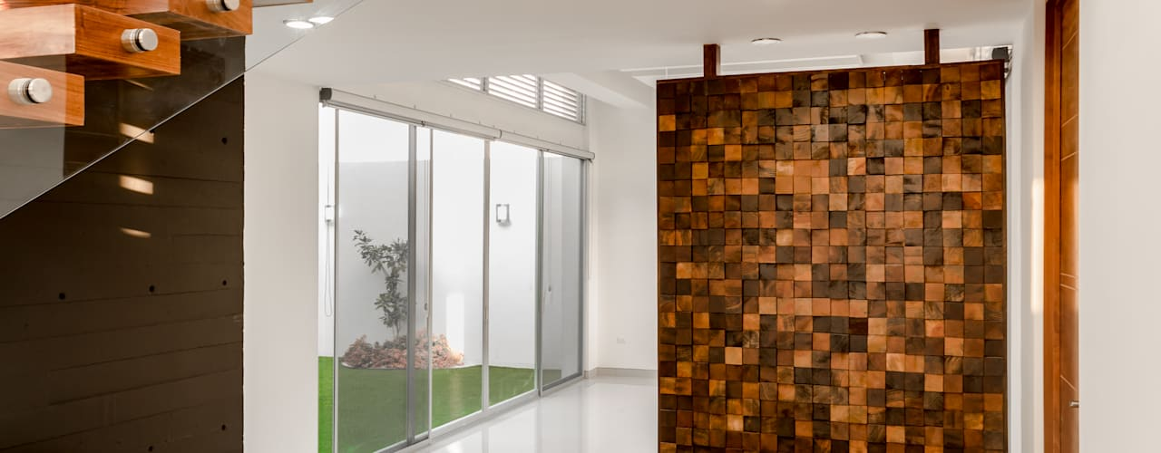 Modern Corridor, Hallway and Staircase by GENETICA ARQ STUDIO Modern