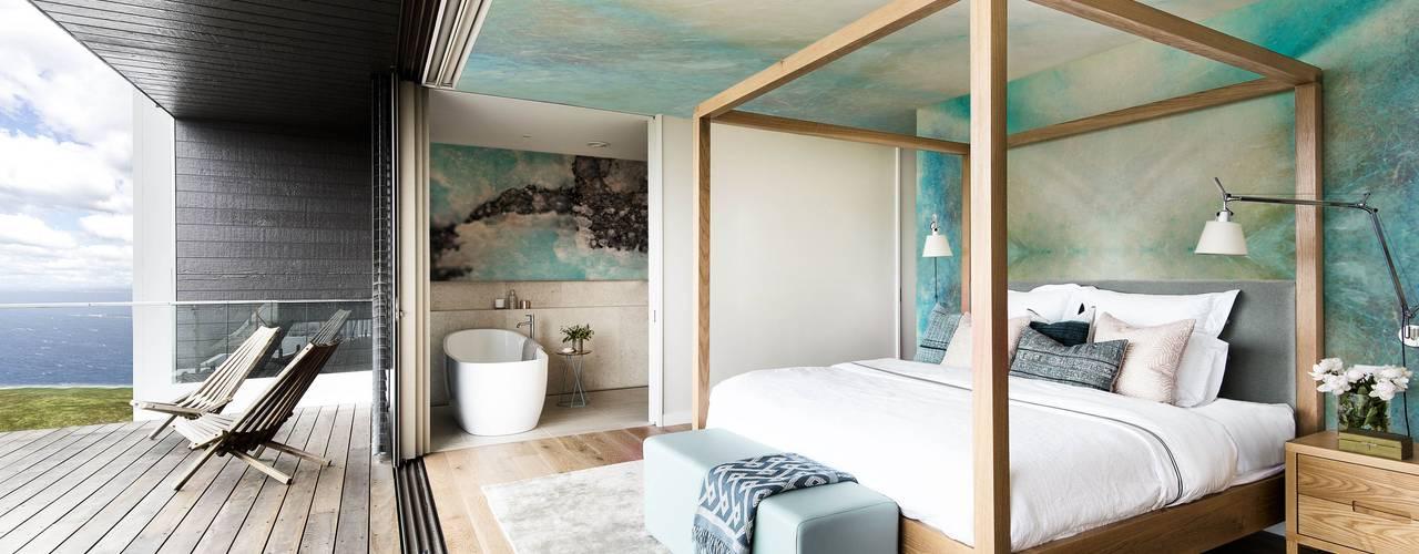 Nature Hues Phòng ngủ phong cách tối giản bởi Pixers Tối giản