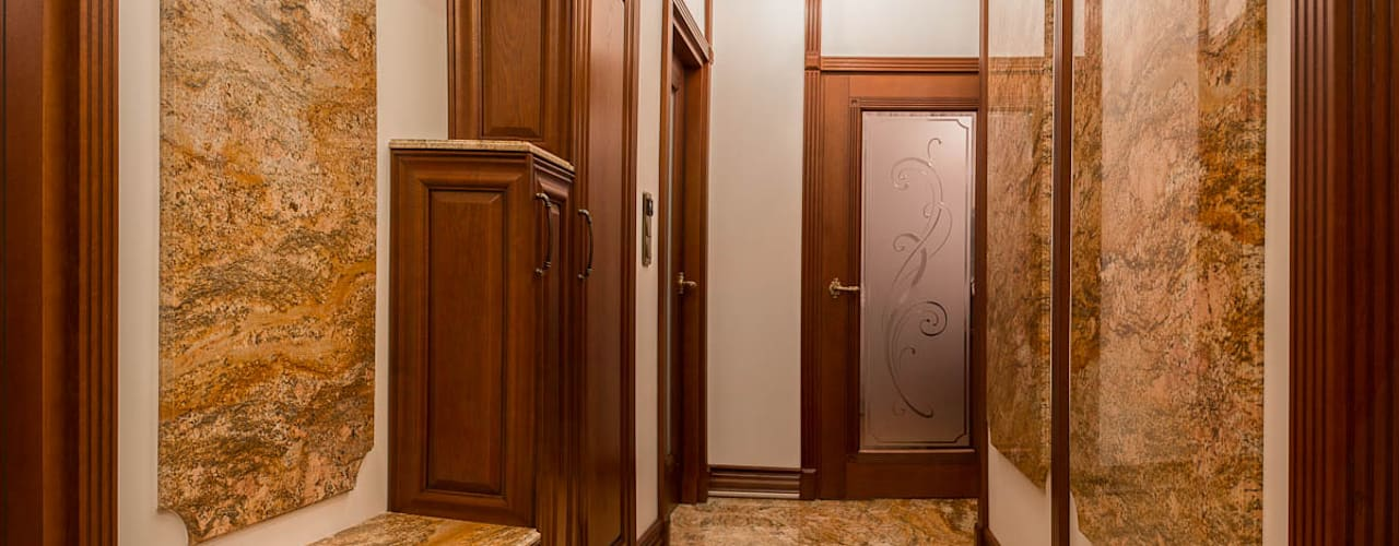 Ingresso, Corridoio & Scale in stile classico di GRANMAR Borowa Góra - granit, marmur, konglomerat kwarcowy Classico