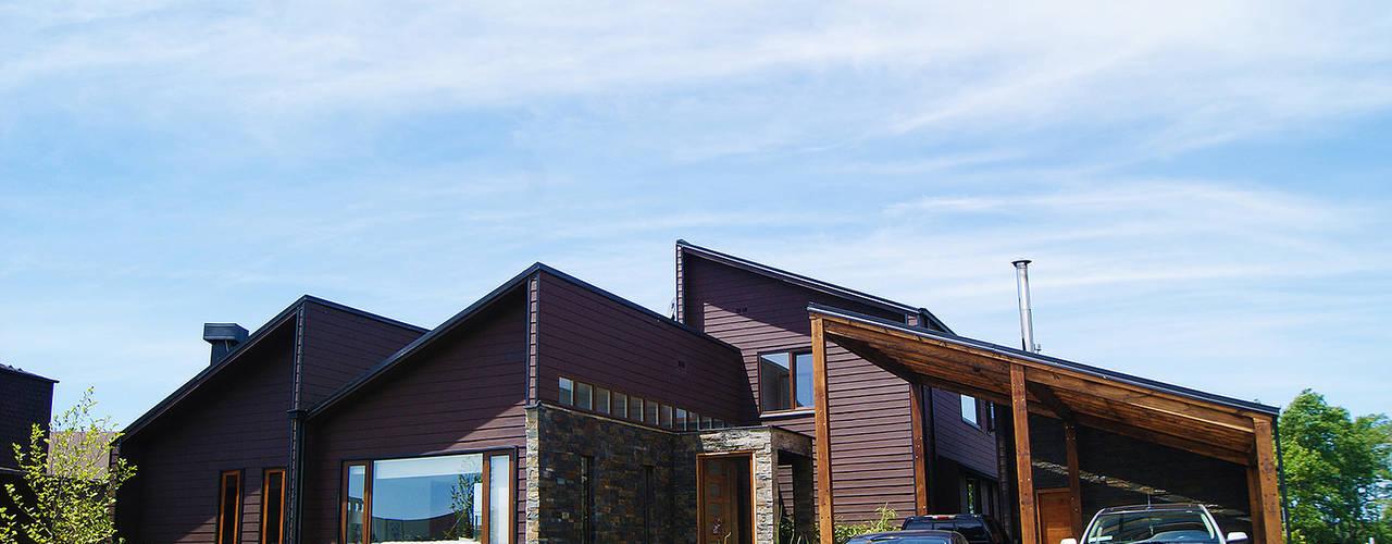 Fachada principal : Casas de estilo  por Smartlive Studio