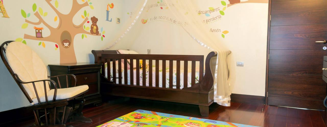 Casa 906: Cuartos infantiles de estilo  por Objetos DAC