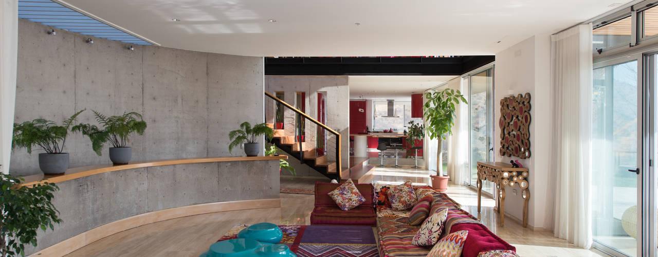 Casa Chamisero Livings de estilo moderno de GITC Moderno