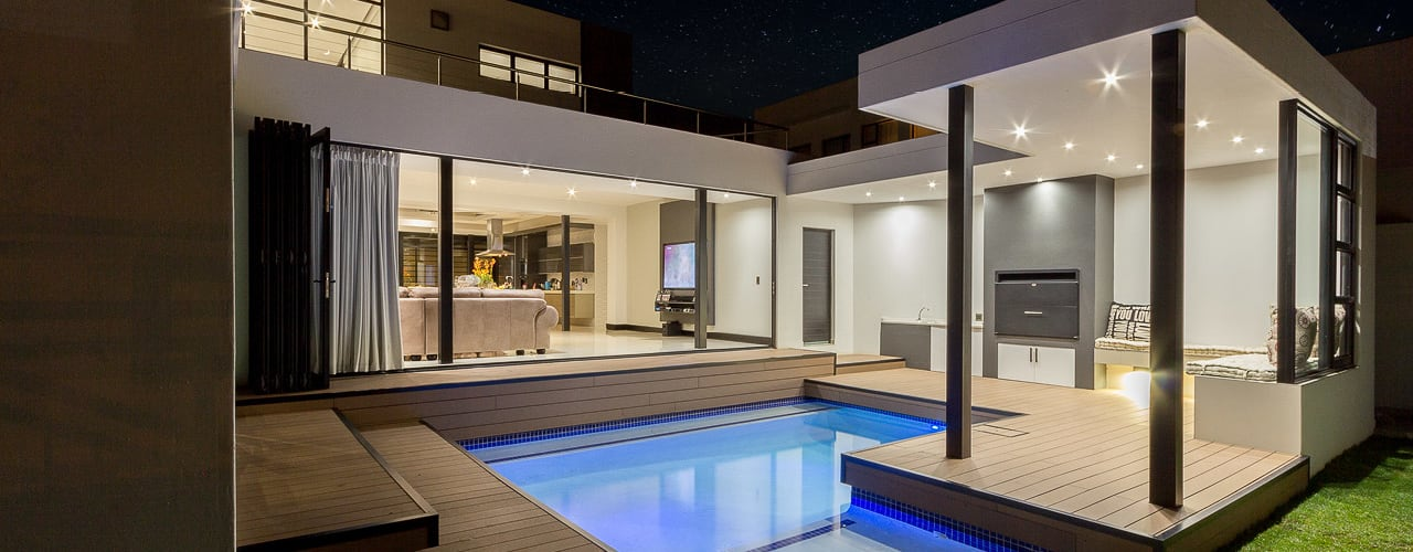 Contemporary house:  Pool by Gottsmann Architects