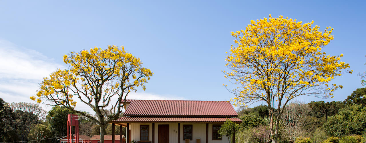 Houses by ISLA ARQUITETURA, INTERIORES E DESIGN