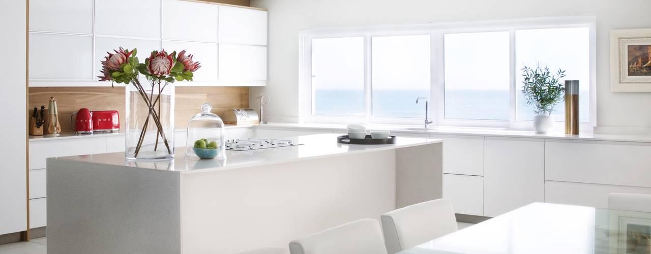 House Snyman Modern kitchen by Salomé Knijnenburg Interiors Modern