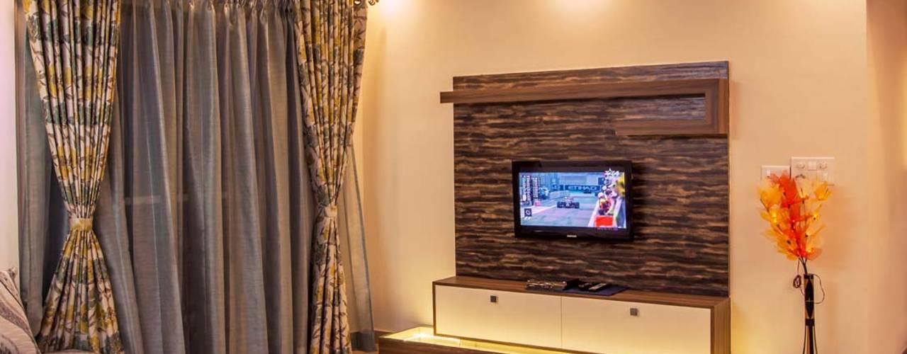 AMIT & SURVI'S INTERIOR IN MERA HOMES APARTMENT, KADUGUDI Asense Living roomSofas & armchairs Wood Beige