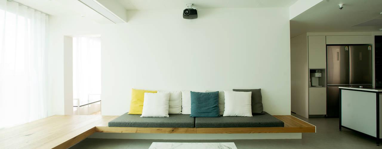 Livings de estilo minimalista por homify
