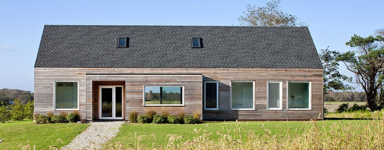 Passive House Retreat, south elevation:  Houses by ZeroEnergy Design