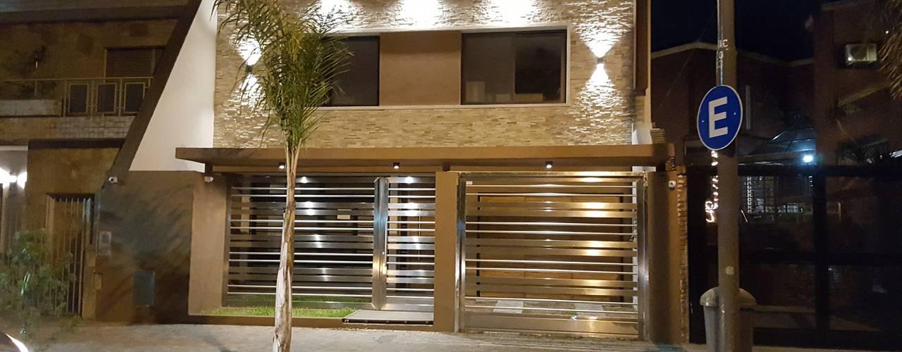 Marcos Paz 4347 C.A.B.A Argentina: Casas de estilo  por Arquitecto Oscar Alvarez