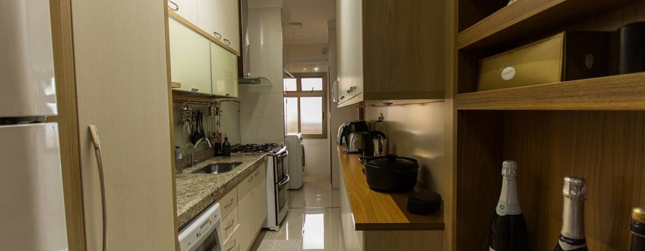 Apartamento com cara de casa - Estilo rústico Cozinhas rústicas por Camarina Studio Rústico