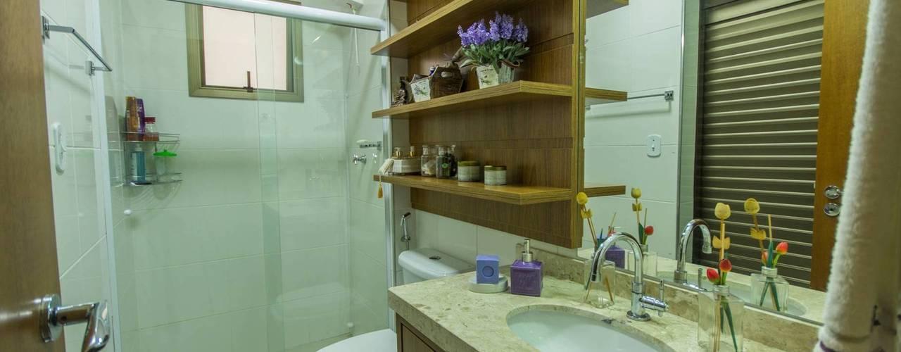 Baños de estilo rústico de Camarina Studio Rústico