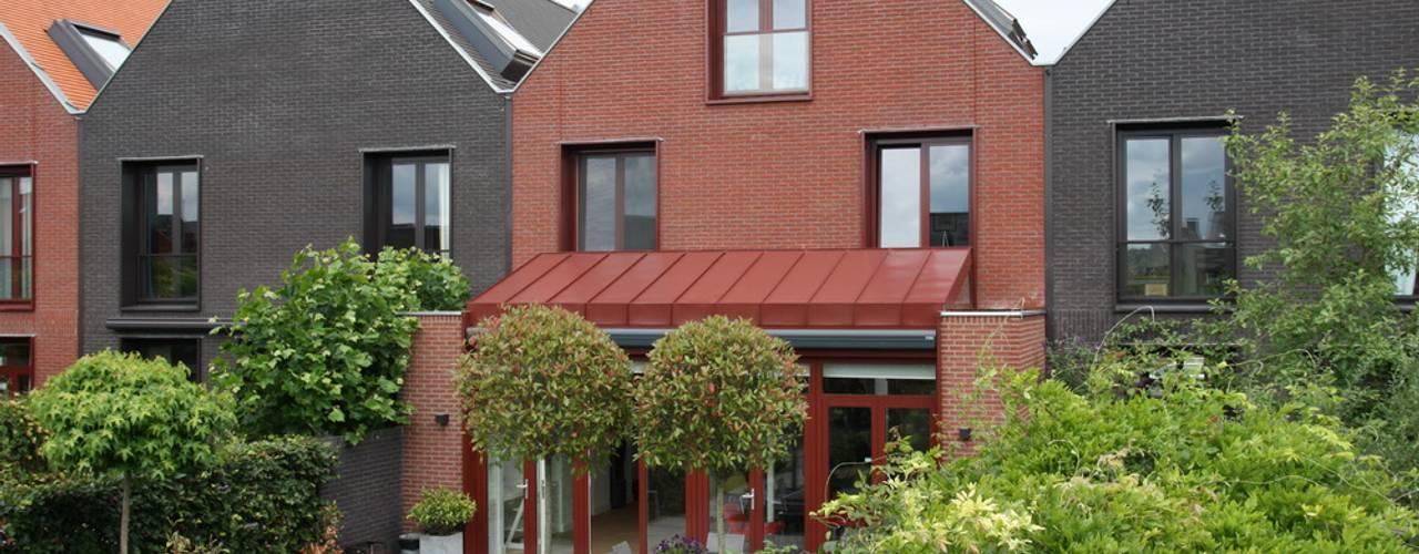 Moderne Uitbouw van Architectenbureau Jules Zwijsen Modern
