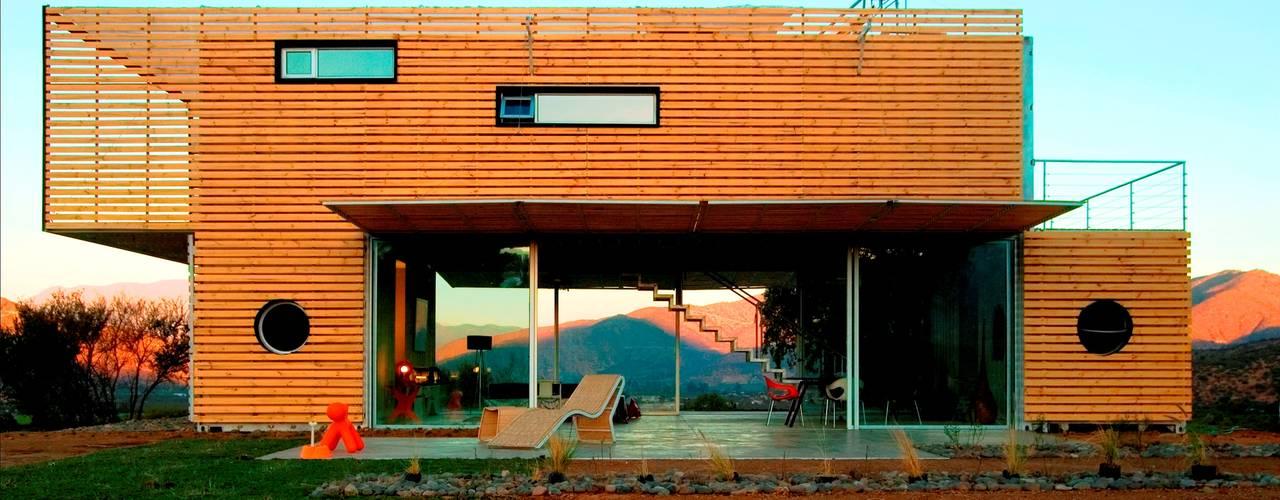 MANIFESTO HOUSE Casas modernas de james&mau Moderno