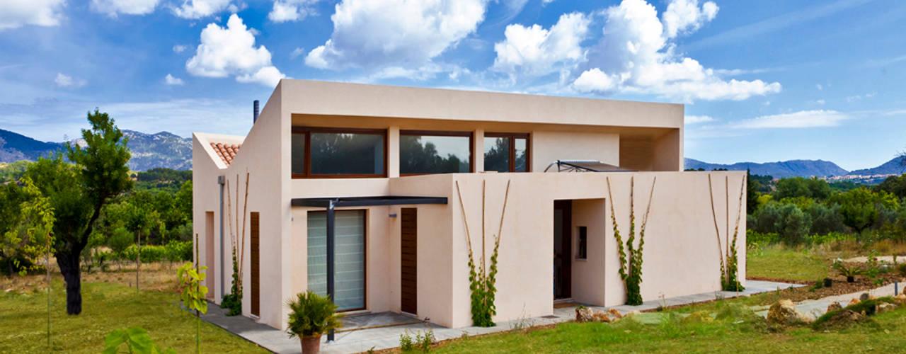 Single family house in Moscari Modern Houses by Tono Vila Architecture & Design Modern