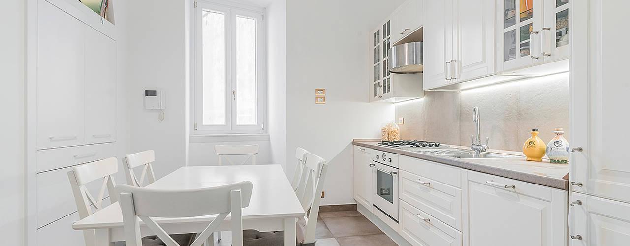 Kitchen by Facile Ristrutturare, Modern
