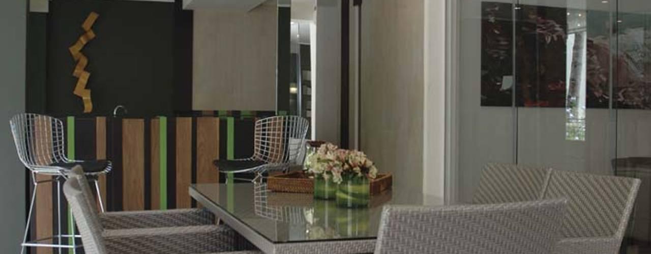 Casa 575: Comedores de estilo  por Arq Renny Molina
