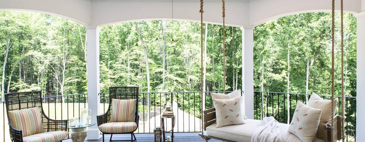 Hiên, sân thượng by Lorna Gross Interior Design