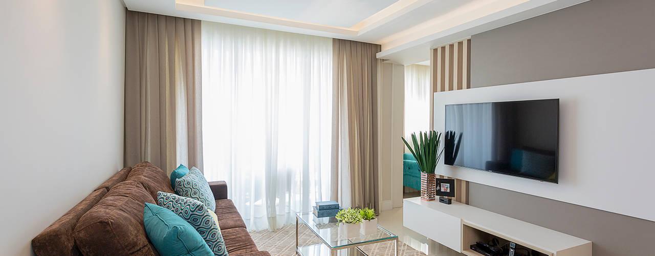 Ruang Keluarga Modern Oleh Juliana Agner Arquitetura e Interiores Modern