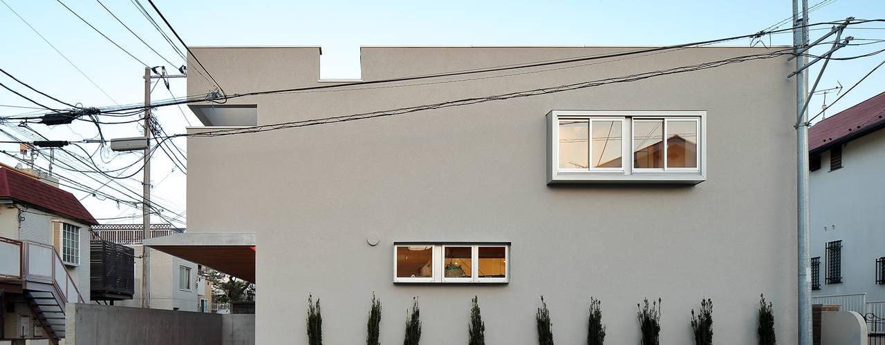 アトリエ スピノザ Casas de estilo escandinavo Beige