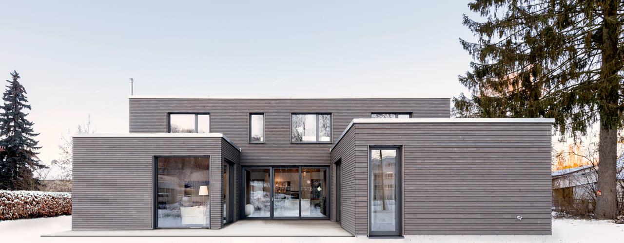 Wohnhaus B:  Häuser von RO-REI Holzhaus GmbH & Co.KG