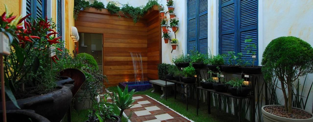 Adriana Baccari Projetos de Interiores Jardines en la fachada