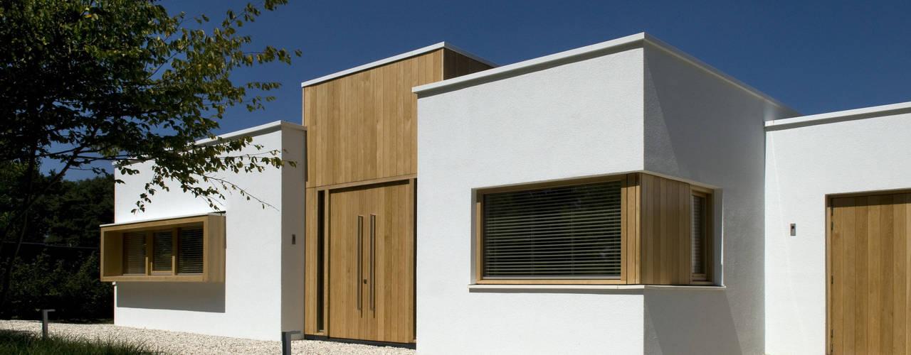 Het Witte Huis Moderne huizen van WillemsenU Modern