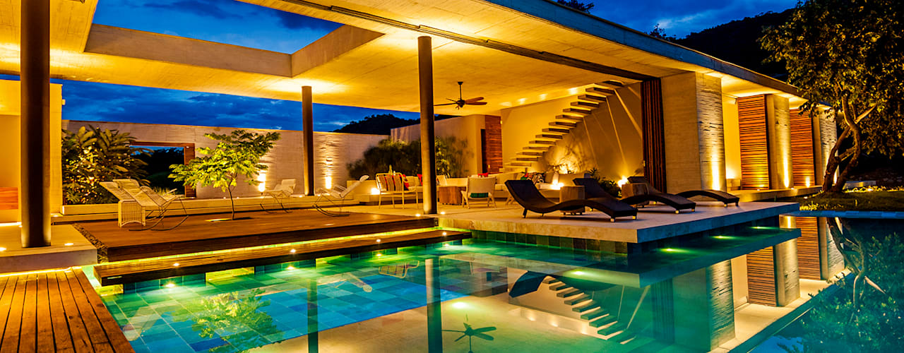 Casa 7A: Piscinas de estilo  por Arquitectura en Estudio, Moderno