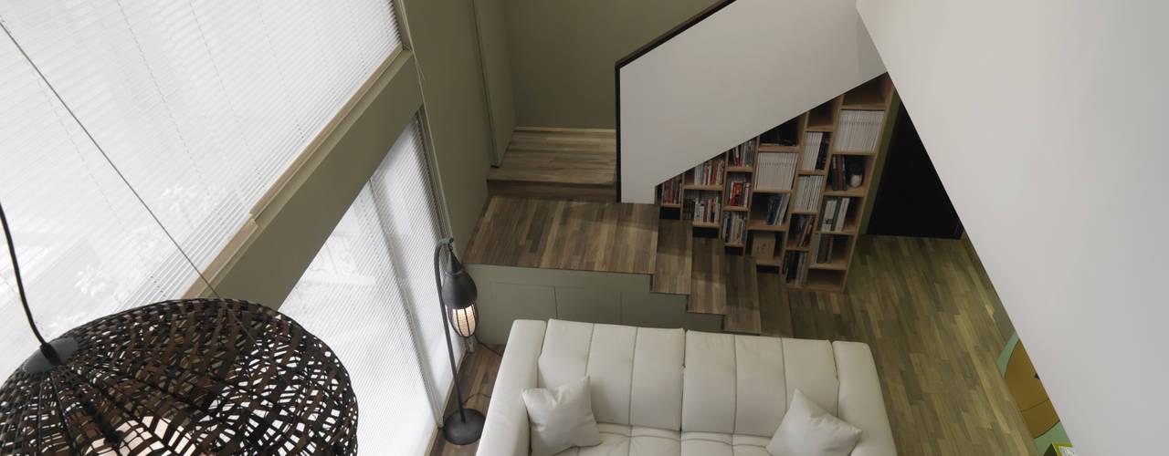 Salon original par 賀澤室內設計 HOZO_interior_design Éclectique