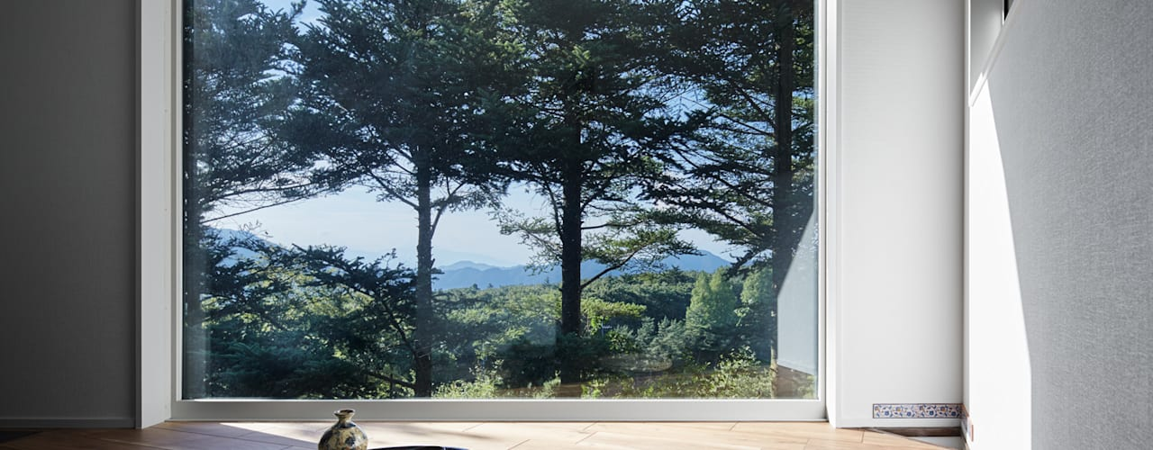 Villa in Lake Kawaguchi Modern media room by 久保田章敬建築研究所 Modern
